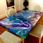 Mesa com poliuretano porcelanato liquido